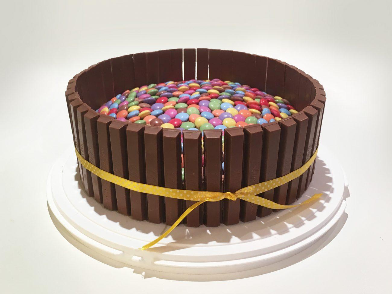 Torta Kitkat e Smarties