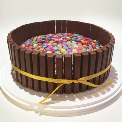Torta Kitkat e Smarties Alice Dolce Vaniglia