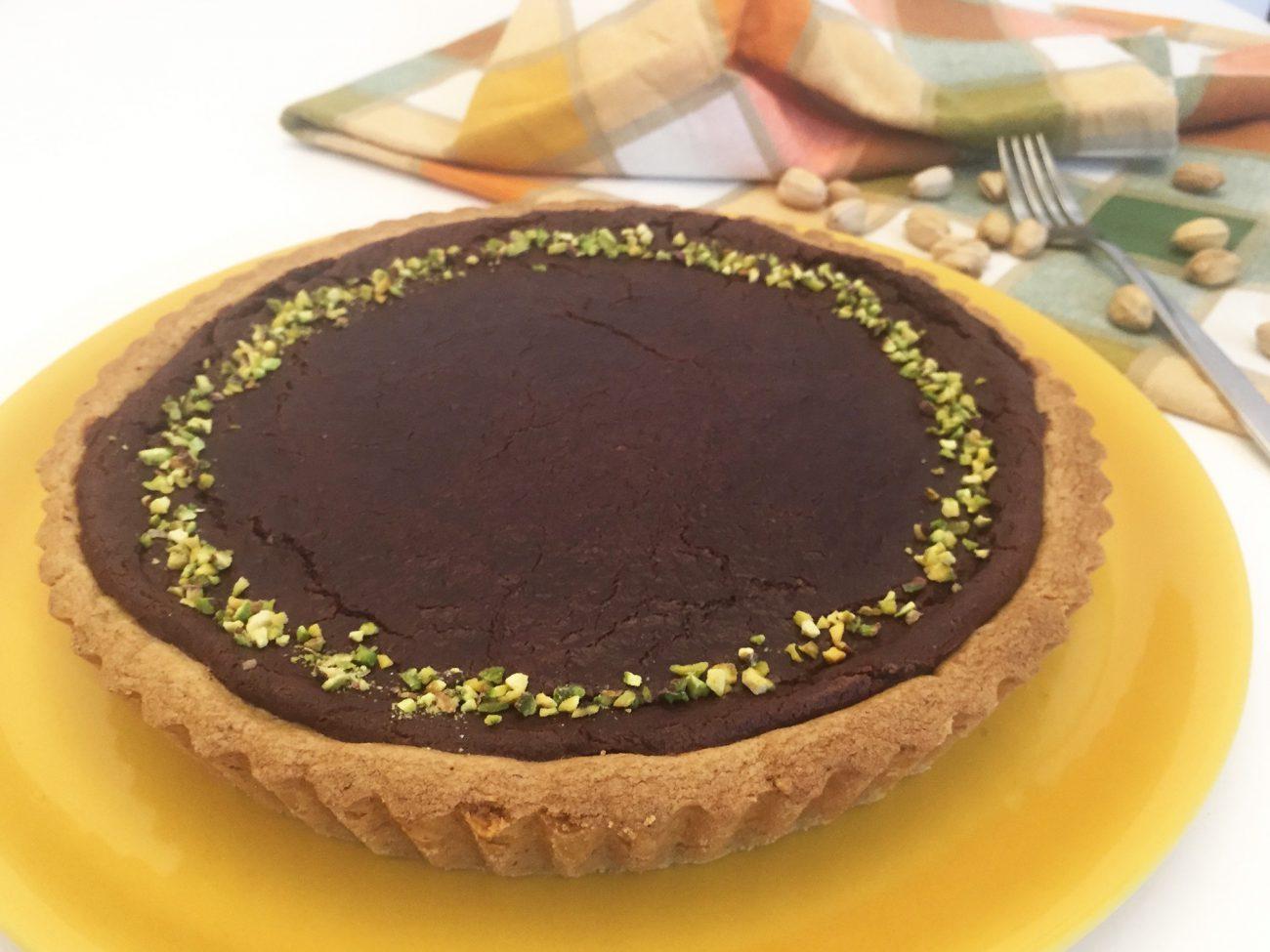 Crostata di frolla al pistacchio con cioccolato fondente